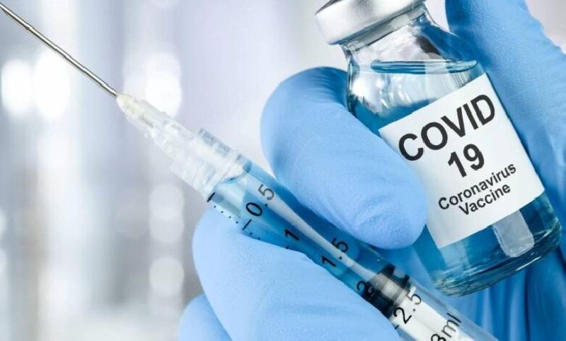 Il vaccino AstraZeneca in UK salta la fila e scavalca Moderna?