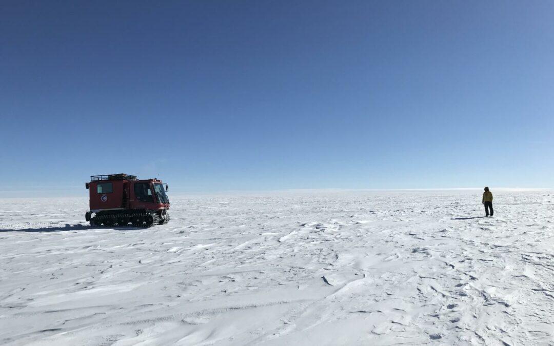 Scienza: Laser spaziali per mappare i laghi nascosti sotto la calotta polare antartica