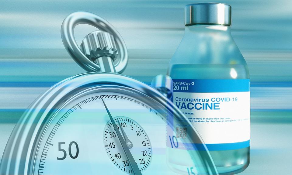 Vaccino Moderna mantiene anticorpi contro varianti per sei mesi