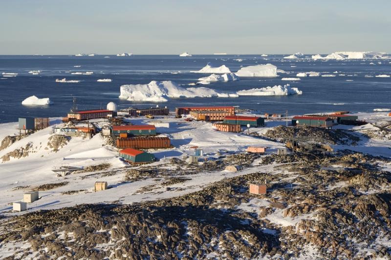 Scienza: la complicata relazione tra ghiaccio marino antartico e cambiamento climatico