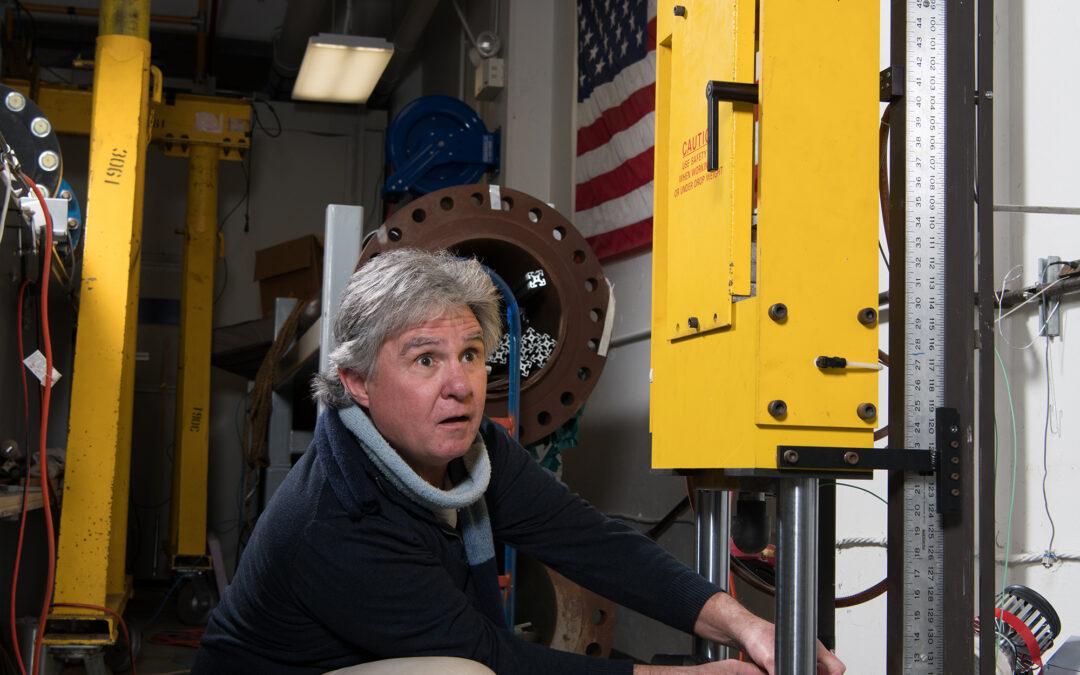 Scienza: Spazio, fucili ad aria compressa e finte rocce lunari per testare tute e veicoli spaziali